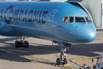 Y-Kenzoさんが、パリ シャルル・ド・ゴール国際空港で撮影したラ・カンパニー 757-256の航空フォト(写真)