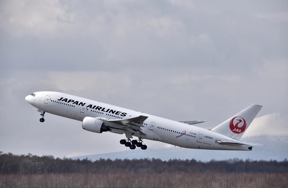 バーダーさんの日本航空 Boeing 777-200 (JA8983) 航空フォト