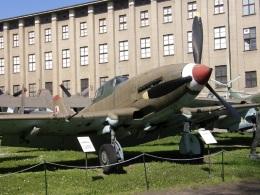TKOさんが、ワルシャワ・フレデリック・ショパン空港で撮影したポーランド空軍 Il-10の航空フォト(飛行機 写真・画像)