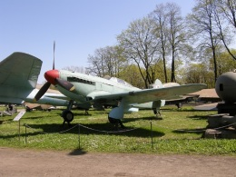TKOさんが、ワルシャワ・フレデリック・ショパン空港で撮影したポーランド空軍 Yak-9Pの航空フォト(飛行機 写真・画像)
