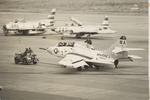 rjccさんが、千歳飛行場で撮影したアメリカ海兵隊 F9F-2の航空フォト(写真)