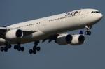 RUSSIANSKIさんが、スワンナプーム国際空港で撮影したタイ国際航空 A340-642の航空フォト(飛行機 写真・画像)