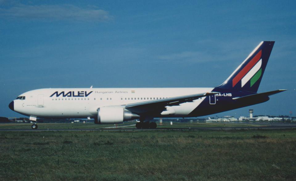 kumagorouさんのマレーヴ・ハンガリー航空 Boeing 767-200 (HA-LHB) 航空フォト