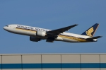 RUSSIANSKIさんが、シンガポール・チャンギ国際空港で撮影したシンガポール航空 777-212/ERの航空フォト(飛行機 写真・画像)