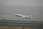 空を見上げるひよこさんが、羽田空港で撮影したベクテル・コープ Falcon 900EXの航空フォト(写真)