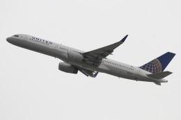 よっしぃさんが、ロサンゼルス国際空港で撮影したユナイテッド航空 757-224の航空フォト(飛行機 写真・画像)