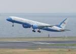 じーく。さんが、羽田空港で撮影したアメリカ空軍 VC-32A (757-2G4)の航空フォト(写真)