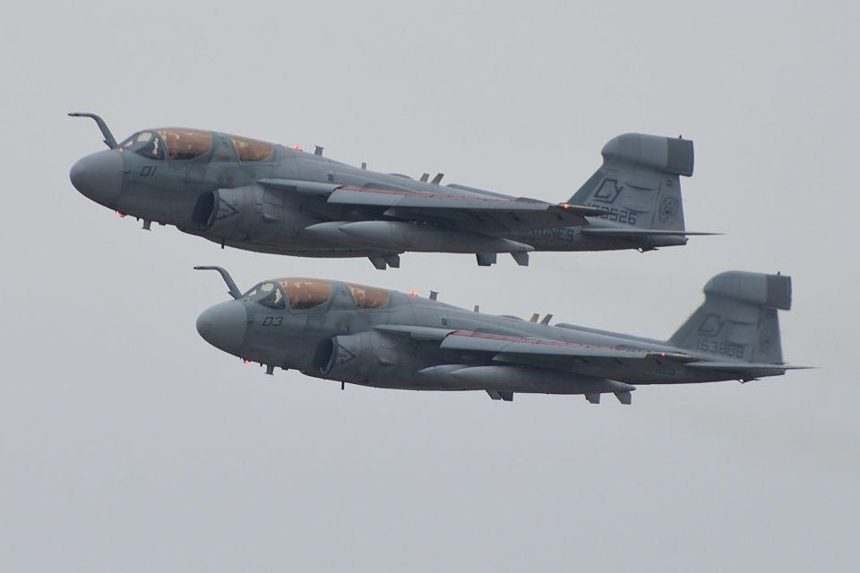 うめやしきさんのアメリカ海兵隊 Grumman A-6 (163526) 航空フォト