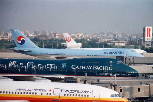 大韓航空 Boeing 747-200 HL7443...