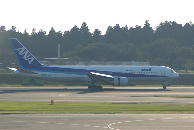 kanade/Ryo@S.O.R.A.さんが、成田国際空港で撮影した全日空 767-381/ERの航空フォト(飛行機 写真・画像)