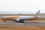 T.Sazenさんが、関西国際空港で撮影したノックスクート 777-212/ERの航空フォト(飛行機 写真・画像)