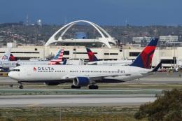よっしぃさんが、ロサンゼルス国際空港で撮影したデルタ航空 767-332/ERの航空フォト(写真)