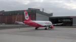 J-birdさんが、ベルリン・テーゲル空港で撮影したエア・ベルリン A320-216の航空フォト(写真)