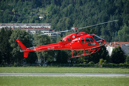 Gambardierさんが、インスブルック・クラネビッテン空港で撮影したKnaus  Helicopter AS355N Ecureuil 2の航空フォト(飛行機 写真・画像)
