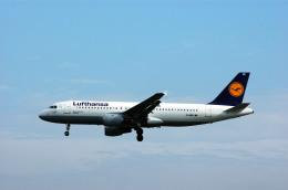 Gambardierさんが、フランクフルト国際空港で撮影したルフトハンザドイツ航空 A320-211の航空フォト(飛行機 写真・画像)