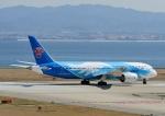 じーく。さんが、関西国際空港で撮影した中国南方航空 787-8 Dreamlinerの航空フォト(飛行機 写真・画像)