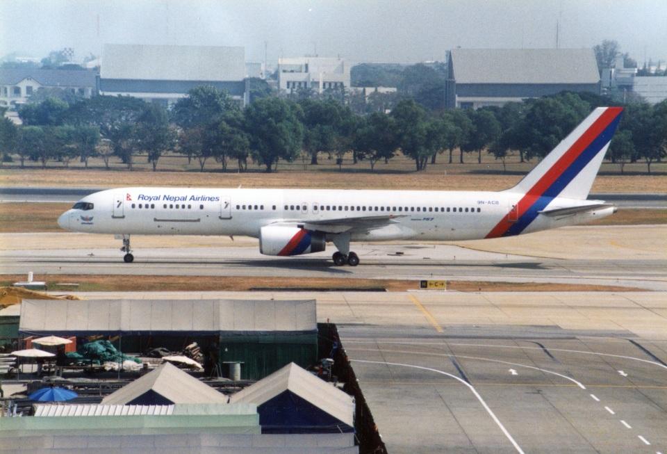 amagoさんのロイヤル・ネパール航空 Boeing 757-200 (9N-ACB) 航空フォト