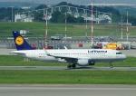 じーく。さんが、ハンブルク空港で撮影したルフトハンザドイツ航空 A320-214の航空フォト(写真)