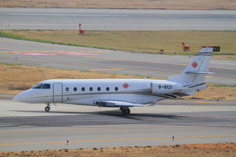 T.Sazenさんのイスラエル・エアロスペース・インダストリーズ Gulfstream Aerospace G200/G250/G280 (B-8121) 航空フォト