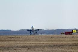 GRX135さんが、新千歳空港で撮影した日本航空 777-246の航空フォト(飛行機 写真・画像)