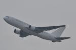 Korean Air KEさんが、香港国際空港で撮影したダイナミック・エアウェイズ 767-233の航空フォト(写真)