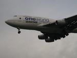 らいちさんが、ロンドン・ヒースロー空港で撮影したカンタス航空 747-438の航空フォト(写真)