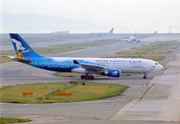 amagoさんが、関西国際空港で撮影したカタール航空 A330-202の航空フォト(飛行機 写真・画像)