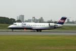 Gambardierさんが、伊丹空港で撮影したフェアリンク CL-600-2B19 Regional Jet CRJ-100LRの航空フォト(写真)