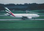 kumagorouさんが、シンガポール・チャンギ国際空港で撮影したエミレーツ航空 A310-308の航空フォト(飛行機 写真・画像)