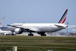 tsubasa0624さんが、成田国際空港で撮影したエールフランス航空 777-328/ERの航空フォト(写真)