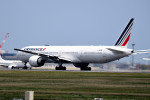 tsubasa0624さんが、成田国際空港で撮影したエールフランス航空 777-328/ERの航空フォト(飛行機 写真・画像)