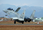 チャーリーマイクさんが、新田原基地で撮影した航空自衛隊 F-15DJ Eagleの航空フォト(写真)