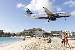 TRAVAIRさんが、プリンセス・ジュリアナ国際空港で撮影したジェットブルー A320-232の航空フォト(飛行機 写真・画像)