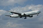 北の熊さんが、新千歳空港で撮影したキャセイパシフィック航空 777-367の航空フォト(飛行機 写真・画像)