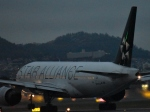 Take51さんが、伊丹空港で撮影した全日空 777-281の航空フォト(写真)