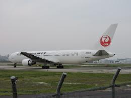 わたくんさんが、福岡空港で撮影した日本航空 767-346の航空フォト(写真)