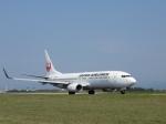 aquaさんが、小松空港で撮影した日本航空 737-846の航空フォト(飛行機 写真・画像)