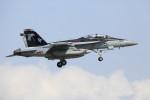 take_2014さんが、厚木飛行場で撮影したアメリカ海軍 EA-18G Growlerの航空フォト(写真)