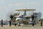うめやしきさんが、厚木飛行場で撮影したアメリカ海軍 E-2C Hawkeyeの航空フォト(写真)