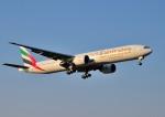 mojioさんが、成田国際空港で撮影したエミレーツ航空 777-31H/ERの航空フォト(飛行機 写真・画像)