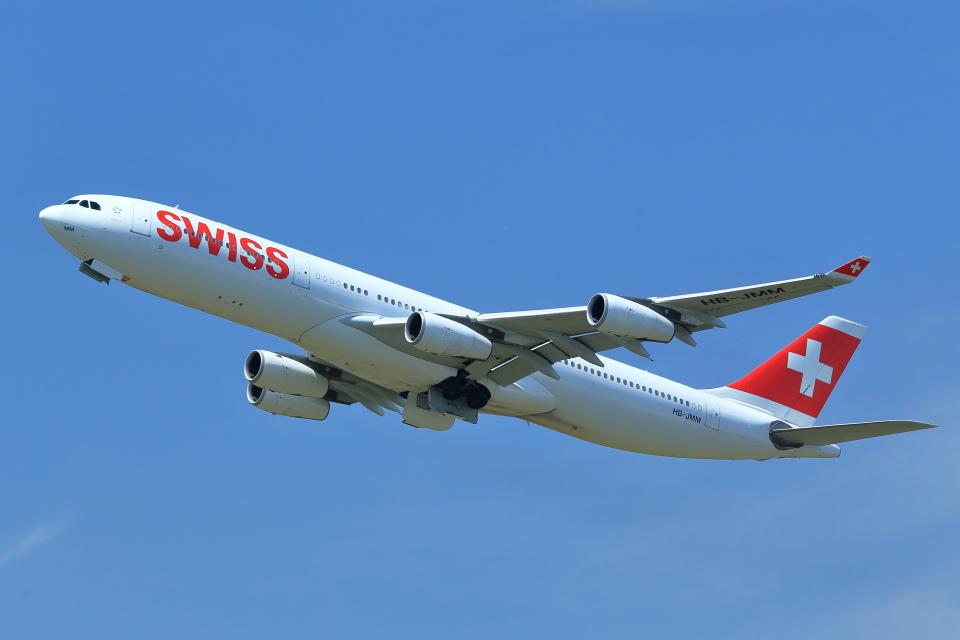 T.Sazenさんのスイスインターナショナルエアラインズ Airbus A340-300 (HB-JMM) 航空フォト