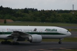 m-takagiさんが、成田国際空港で撮影したアリタリア航空 777-243/ERの航空フォト(飛行機 写真・画像)