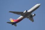 ANA744Foreverさんが、成田国際空港で撮影したアシアナ航空 767-38EF/ERの航空フォト(写真)