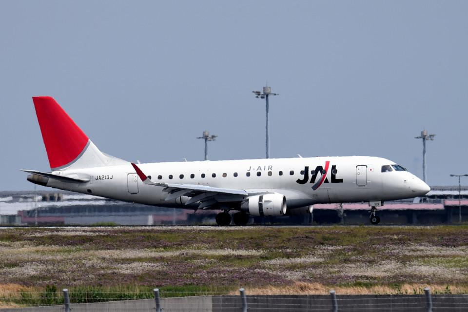 tsubasa0624さんのジェイ・エア Embraer ERJ-170 (JA213J) 航空フォト