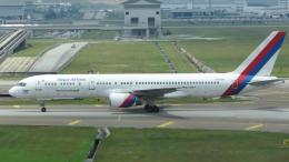 誘喜さんが、クアラルンプール国際空港で撮影したネパール航空 757-2F8Cの航空フォト(飛行機 写真・画像)
