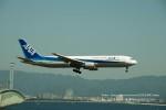 かみきりむしさんが、関西国際空港で撮影した全日空 767-381/ERの航空フォト(写真)