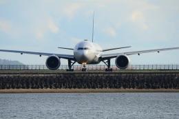 RUSSIANSKIさんが、デンパサール国際空港で撮影したガルーダ・インドネシア航空 777-3U3/ERの航空フォト(写真)