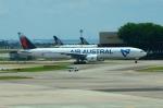 RUSSIANSKIさんが、シンガポール・チャンギ国際空港で撮影したエール・オーストラル 777-3Q8/ERの航空フォト(飛行機 写真・画像)