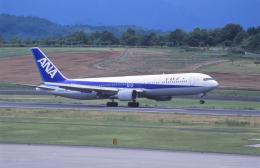 kumagorouさんが、高松空港で撮影した全日空 767-381の航空フォト(飛行機 写真・画像)