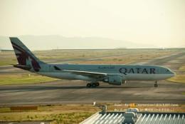 かみきりむしさんが、関西国際空港で撮影したカタール航空 A330-202の航空フォト(飛行機 写真・画像)
